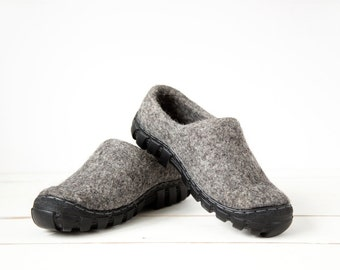 Wool boots for men in grey wool with rugged soles  - Handmade Mens Shoes - Gray Men Shoes - Travel Shoes - Felt handcrafted mens boots