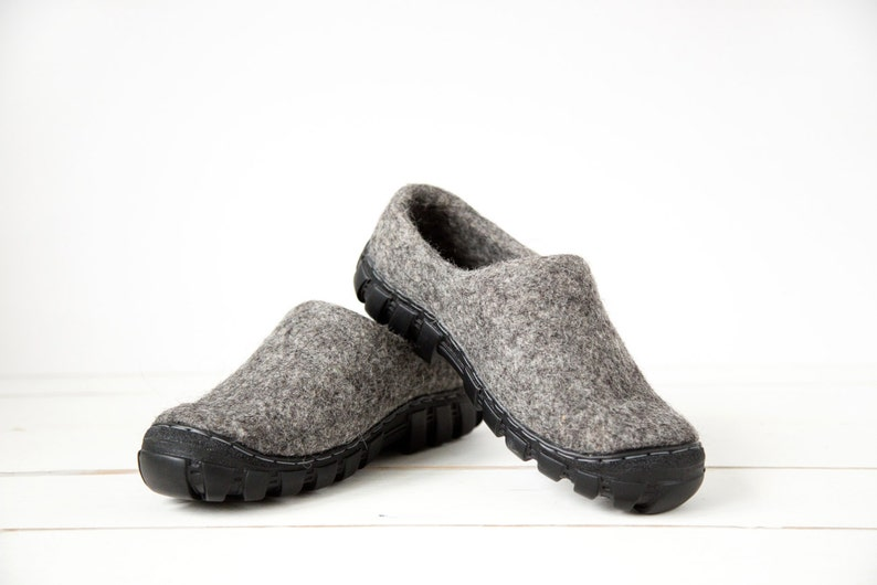 Wool boots for men in grey wool with rugged soles   Handmade Dark gray