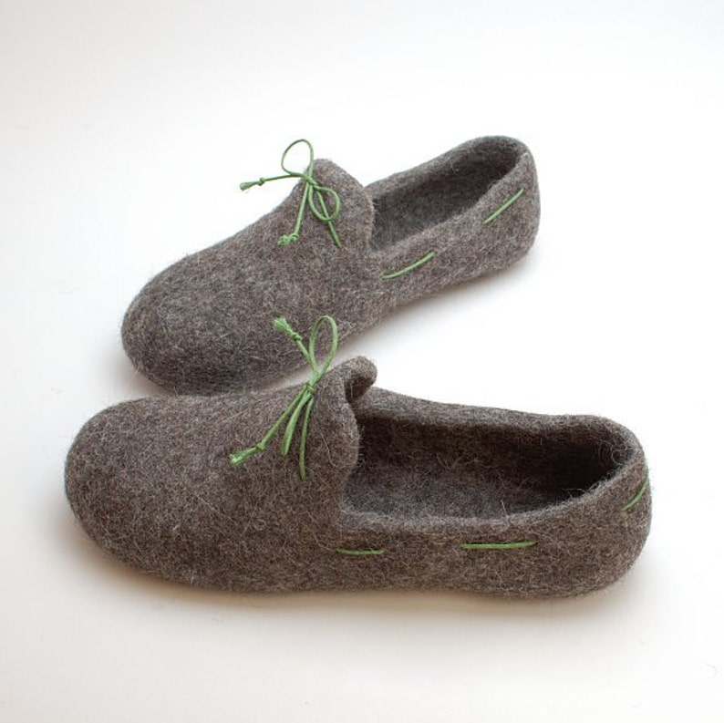 b816786343347 Men felt slipper loafers gray with green laces - handmade natural organic  wool house shoes