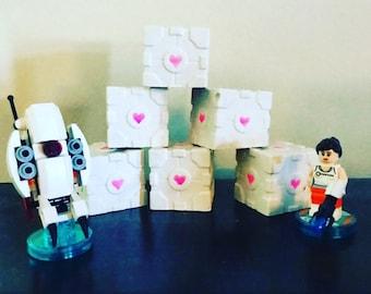 Companion Cube mini statue