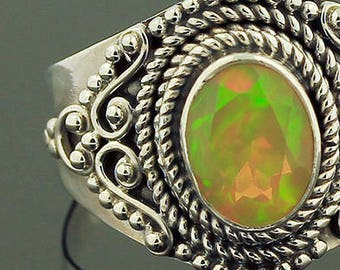 Ethiopian Welo Opal Silver Ring // 925 Sterling Silver // Ring Size 7 // Handmade Jewelry