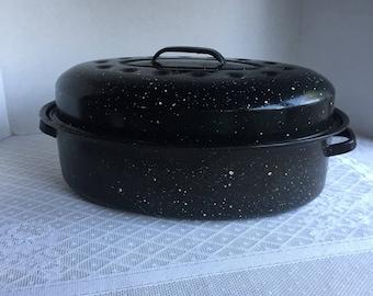 Enamelware Speckled Roasting Pan / Vintage Black and White Granite Ware Turkey Roaster