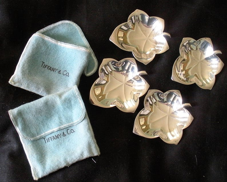 Beautiful Tiffany - Co Set Four (4) Sterling Silver Oak Leaf Nut Candy Butter Plats