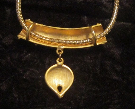 Vintage Gold and Pearl Heart Pendant and Chain - … - image 2