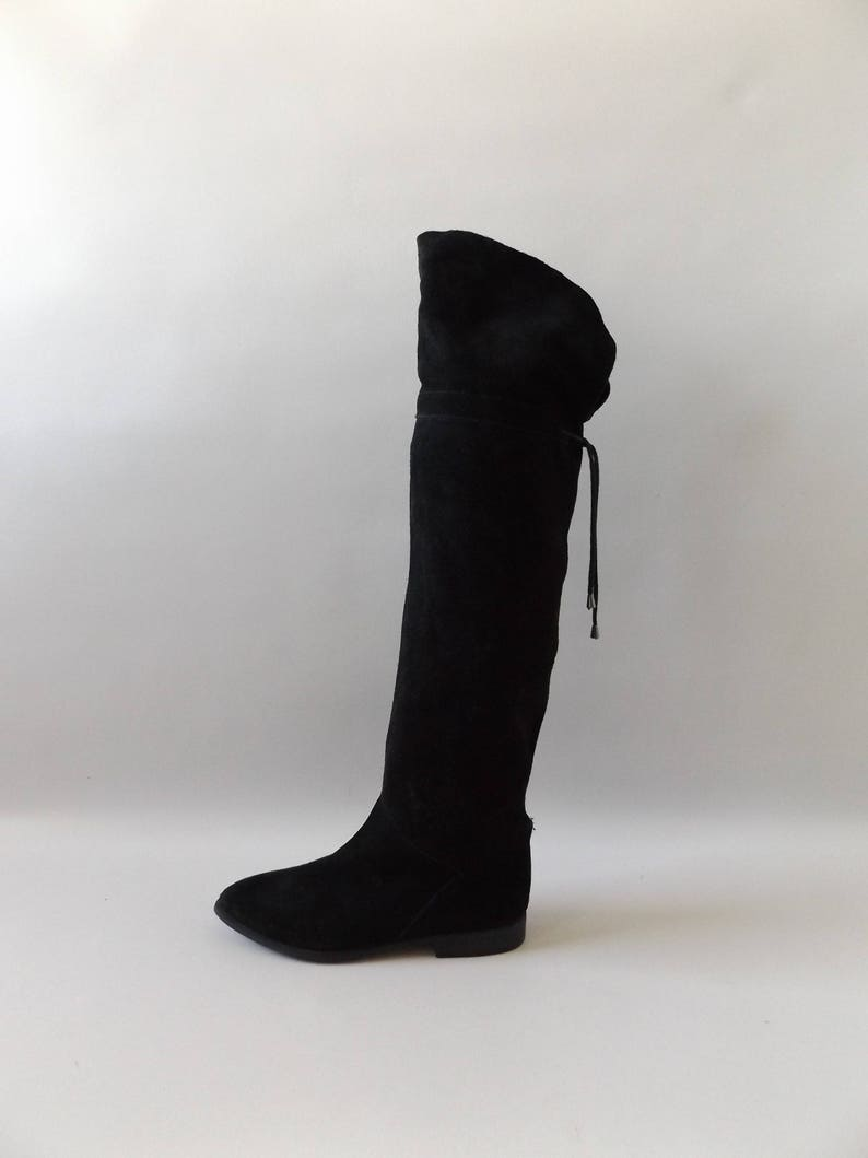 aedc17fa4a8 Tall black suede knee high boots size 7 vintage 90s fold
