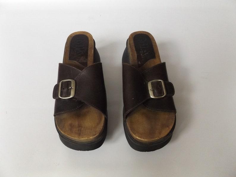afb4f629e82 MIA chunky heel sandals vintage 90s ladies size 8 1 2 open