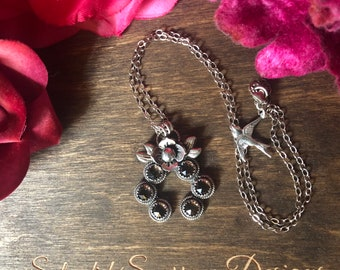 Flower Naja Necklace