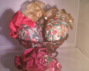 5 Fabric Pine Cone Ornaments  Plus Lot of 12 Christmas Decorations