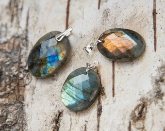 Dainty small faceted labradorite pendant, sterling silver oval labradorite, natural stone small pendant, delicate flashy gift for her