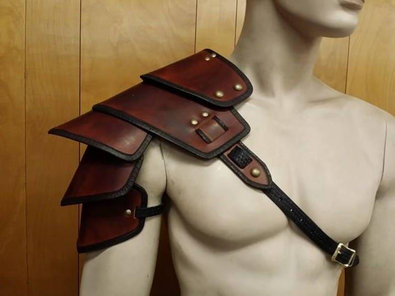 Leather Armor Sentinel segmented shoulder image 0