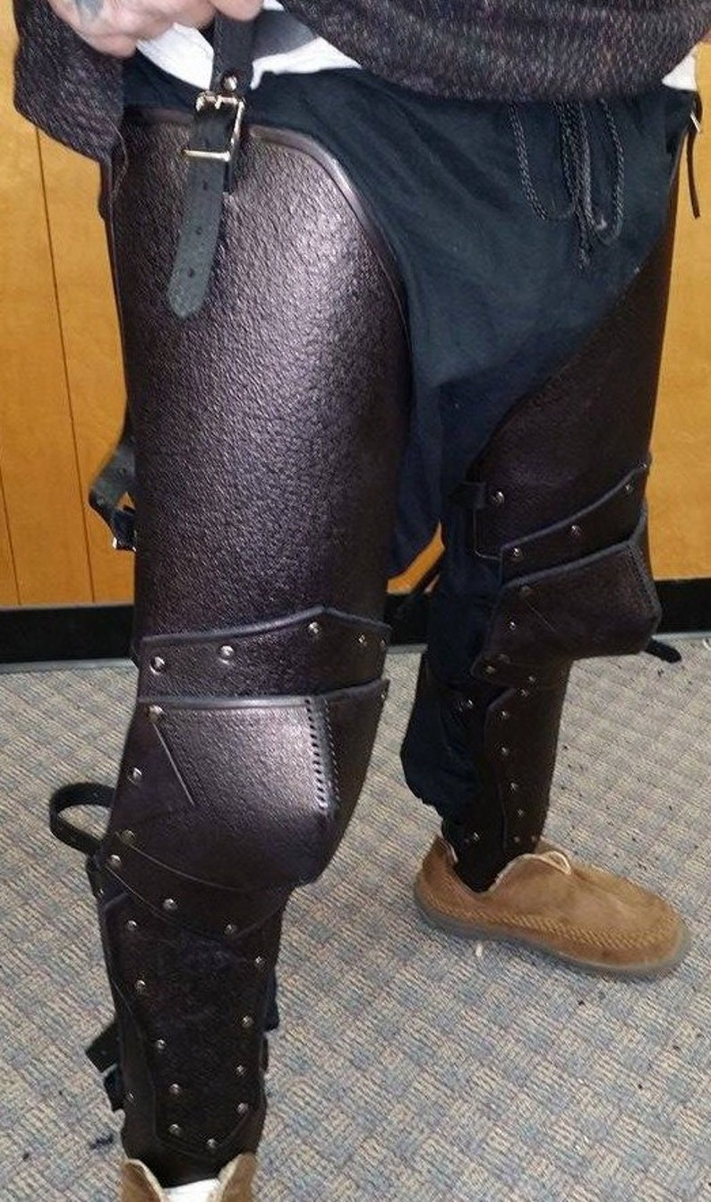 Leather Armor Sentinel Upper and Lower Full Leg  image 0