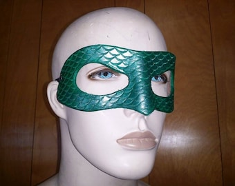 Leather Armor Deluxe Hero Mask