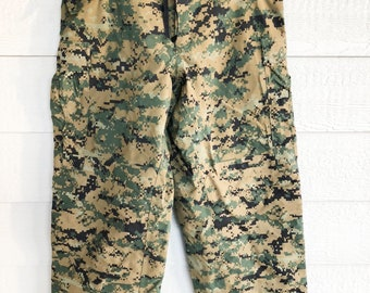 767875cd83 USMC Gen II Apecs Gore tex Cold Weather Marpat Pants - Small Regular