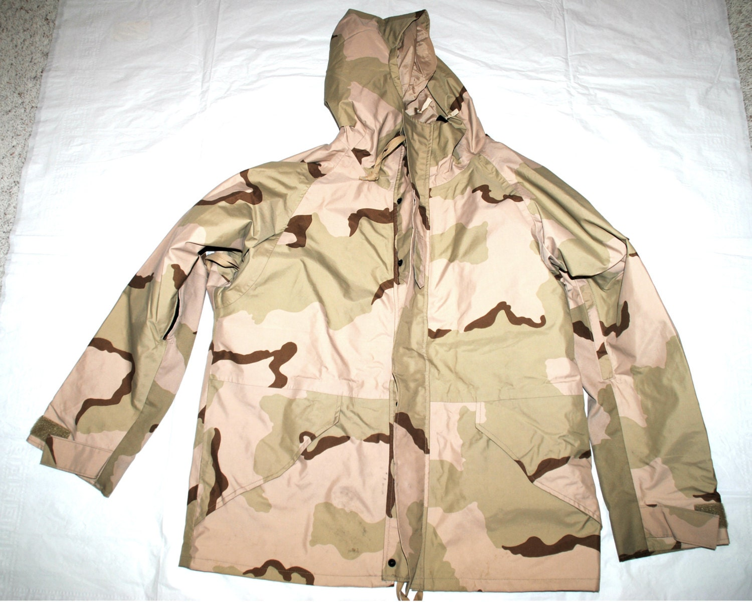 1995 US Army Issue - ECWCS Camouflage Gore tex désert Camouflage ECWCS froid Parka - grand ordinaire 0f31d4