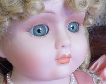 Haunted Doll- Peggy- 23 Years Old - Mature Sexy Extremely ACTIVE Powerful Excitement Pleases Her Keeper Erotic Spirit Flashes of Light