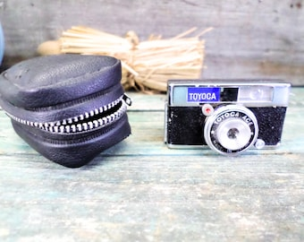 Made in Japan Vintage Miniature Spy Camera with its Original Bag 60s Rare t687