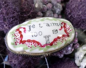 Unusual Rebus Vintage French Porcelain trinket Jewelry Pillbox Handpainted z19
