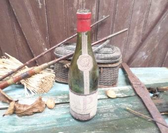 Prestigious Antique Wine Bottle Bourgogne Charmes Chambertin 1953 t512