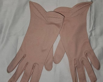 Vintage Pink Gloves 1950s Light Pink Nylon Gloves Cutout Leaves Rockabilly 7