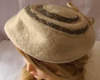 Vintage Saucer Hat 1950s Round Cream Hat Fur Felt Bugle Beads Sequins Valerie Modes Rockabilly Wedding Bridal 21 21.5 inches