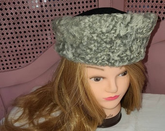 Vintage 1940s Hat Round Gray Persian Lamb Fur Hat Black Wool Top Asymetrical Art Deco Film Noir Rockabilly 22 in.