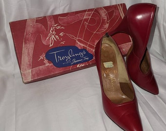 Vintage 50s Pumps Red Leather Sexy Stiletto High Heels Troylings Styled by Seymour Troy with Box Rockabilly Bad Girl 5 1/2 M