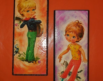 Pair of Vintage 1960s 70s Big Eye Kids Wall Plaques Small Pictures Wall Hangings German Pop Mod Go Go Guitar Cat 10 x 4 inches