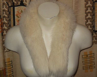 Vintage Fur Collar 1960s Creamy White Fox Fur Collar for Coat or Jacket Fur Scarf Semi Round Boho Fur Collar 26 in. long