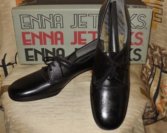 Unworn Vintage 1960s Shoes Enna Jetticks Black Leather Lace Up Oxford Shoes Heels 1930s Style Rockabilly US sz 8 AA Narrow