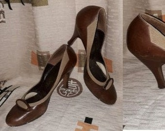 Vintage Women's Shoes 1950s Two Tone Brown Leather Pumps Stilettos High Heels USA Rockabilly PInup 8 1/2