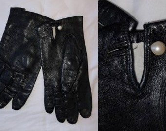 Vintage Leather Gloves 1950s 60s Sleek Black Leather Wrist Gloves Round Faux Pearl Buttons Classic Breakfast at Tiffany's S