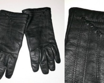 Vintage Leather Gloves 1960s 70s Dark Hunter Green Leather Gloves Lining Cute Deco Details Lined Elegant Boho Rockabilly 7 1/2 or so