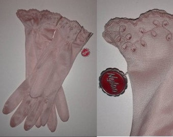 Unworn Nylon Gloves 1950s Light Pink Nylon Gloves Embroidered Eyelet Ruffles NWT German Rockabilly Wedding 7