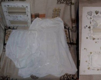 DEADSTOCK Vintage Slip Panty Set 1950s Heart Embroidery White Nylon Half Slip and Panties Unworn in Box Greenco Maid USA Rockabilly 6 M w