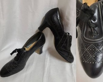 Vintage 1930s Shoes Black Leather Oxfords Heels Perforated Designs Art Deco Flapper Unworn 5 5 1/2 a few issues