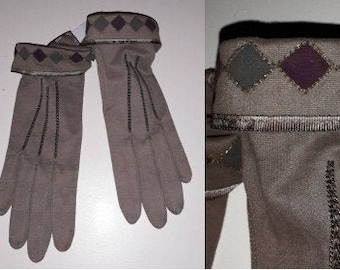 Vintage 1920s 30s Gloves Soft Suedelike Gray Brown Fabric Art Deco Gloves Diamond Cuff Design in Maroon Dark Green Snap Wrists S