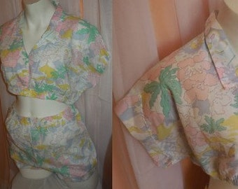 Vintage Shorts Set 1980s Pastel Floral Patterned Romper Play Set Crop Top Small Bloomer Shorts German Boho Festival M L chest to 41 in.