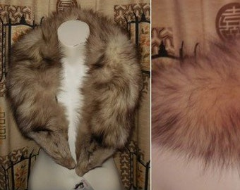 SALE Vintage Fur Collar 1950s 60s Large White Fox Fur Collar Black Tips Fabric Loops  for Coat Lined Boho 38 inches long