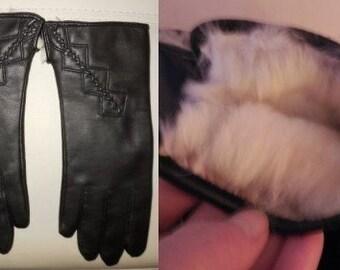 SALE Vintage Leather Gloves 1960s Black Leather Gloves Fur Lined White Beige Rabbit Fur Boho M L