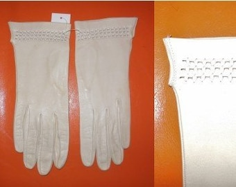 Vintage Leather Gloves 1950s Thin Fine Beige Leather Gloves Open Weave Braid Wrist Detail Rockabilly Mod sz. 7 1/2