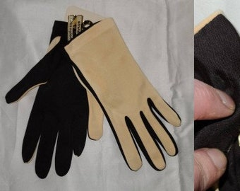 DEADSTOCK Vintage Gloves Unworn 1960s Two Tone Light Yellow Black Nylon Stretch Gloves NWT Mod one size