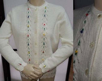 Vintage 1960s Sweater White Acrylic British Vogue Cardigan Embroidered Yarn Flowers Rockabilly M L chest 39 in.