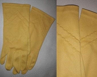 Vintage 1950s 60s Gloves Longer Mustard Yellow Gold Fabric Day Gloves Zigzag Design Net Fingers Rockabilly Pinup L 7 1/2 to 8