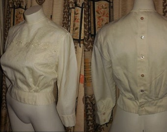 Vintage 1950s 60s Blouse Cream Cotton Floral Embroidered Back Button Blouse Long Sleeves Sm Peplum Waist Rockabilly S chest 36.5 in.