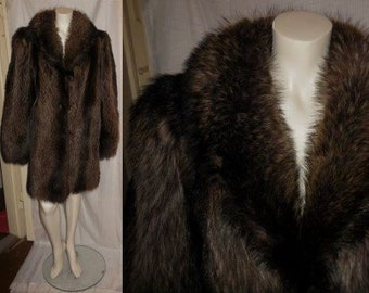 Vintage Fur Coat 1970s 80s Luxurious Fluffy Raccoon Fur Coat Lush Pelts Gorgeous Markings Brown Silver Boho Fur Jacket M L