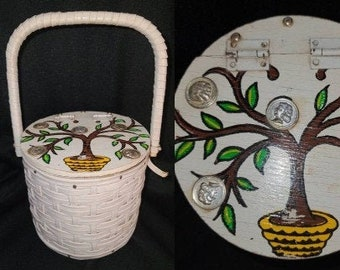 Vintage Round Purse 1960s Round White Plastic Straw Purse Painted Money Tree Metal Coins Cylinder Purse Hong Kong Rockabilly Mod