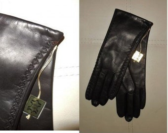 Deadstock Vintage Gloves 1960s Soft Black Leather Gloves Crisscross Pattern down Sides Wool Lined Unworn NWT Rockabilly German 6 1/2