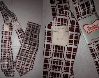 Unworn Vintage Necktie 1940s 50s Wembley Maroon Cream Grid Pattern Rayon Tie NWT USA Rockabilly