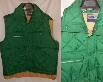 SALE Vintage Men's Vest 1970s 80s Green Nylon Puffer Vest Quilted Padded with Pockets VIP Brand L