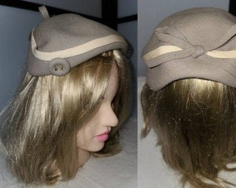 Vintage Half Hat 1950s Gray Beige Wool Half Hat Rhinestone Buttons Bow Merrimack Hat Co Rockabilly